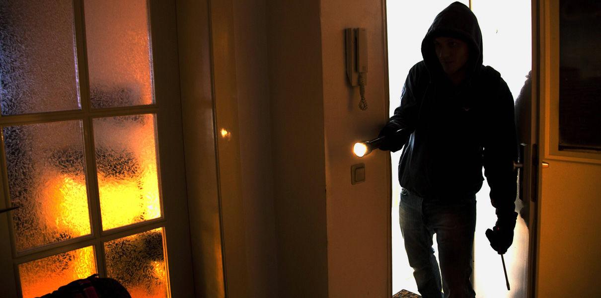 В Борзе задержали мужчину, находящегося в федеральном розыске, который попался на воровстве