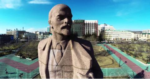 Не снести ли в России памятники Ленину?
