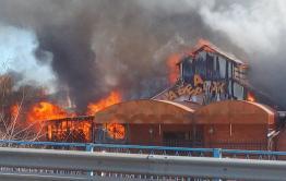 В Чите горит кафе «Набережная»