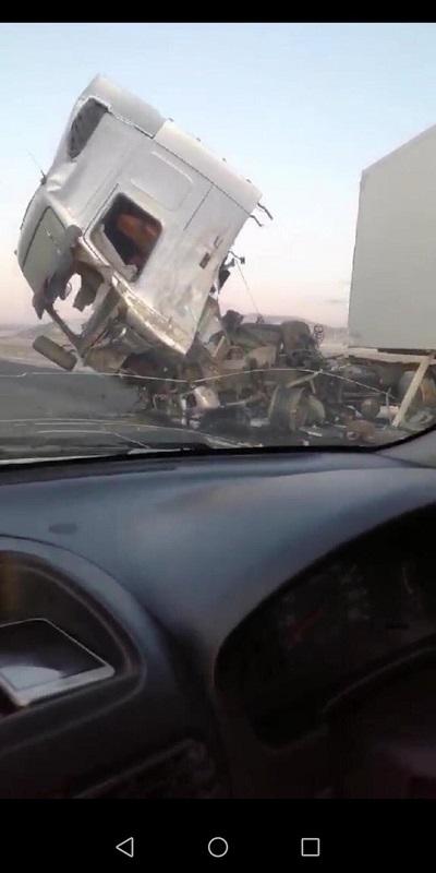 На трассе в Могойтуйском районе столкнулись две фуры и микроавтобус