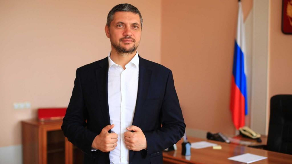 Анонимный тг-канал обвинил Осипова в употреблении наркотиков. Пресс-служба заявила, что фейком займутся правоохранительные органы.