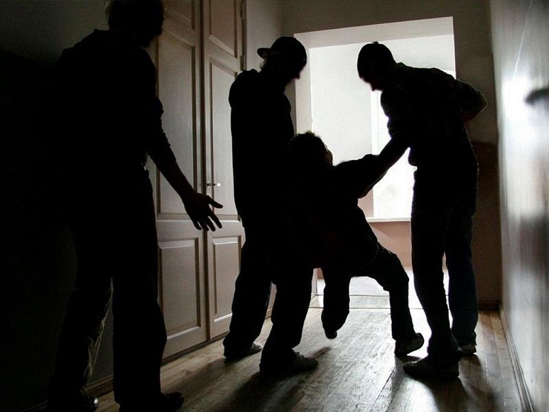 Задержан пятый подросток по подозрению в изнасиловании женщины кочергой и убийстве мужчины в Кыринском районе