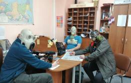 Планерка «Вечорки» прошла в противогазах из-за коронавируса (видео)