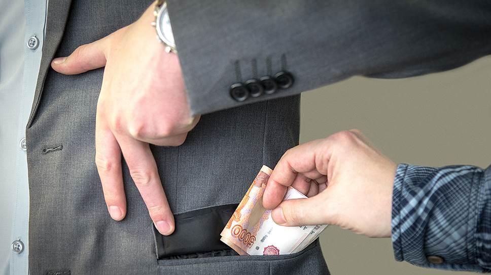 В Петровск-Забайкальском районе глава села похитил бюджетные деньги