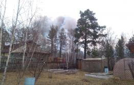 Некоторых жителей Угдана эвакуировали из-за лесного пожара