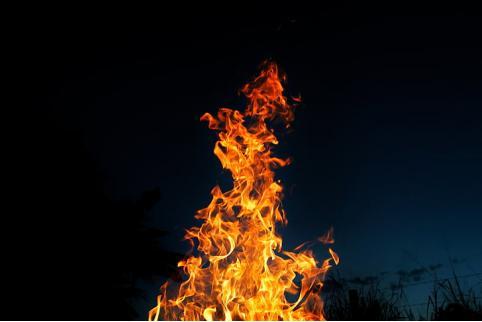 Жители сгоревшего дома под Читой остались без крыши над головой