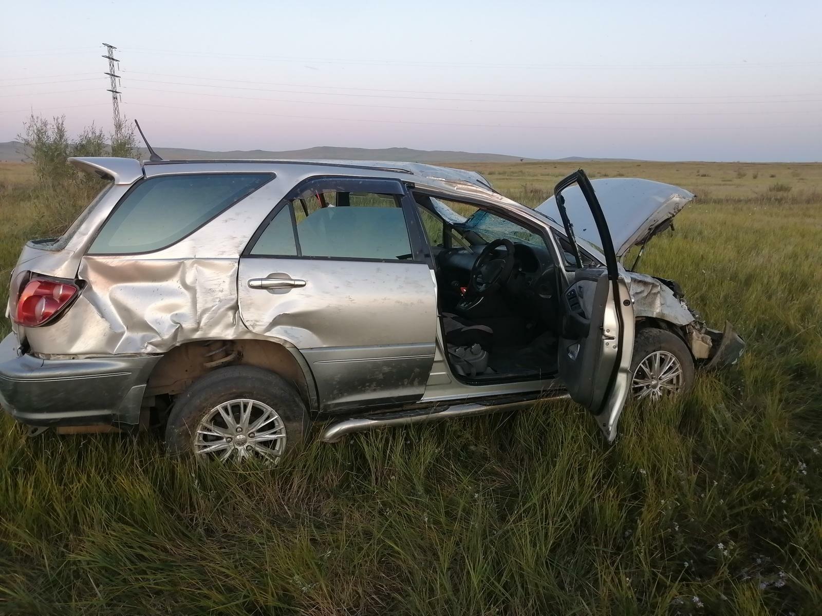 В Оловяннинском районе водитель Toyota Harrier съехал с дороги и перевернулся