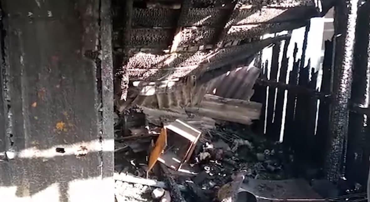 Полицейские в Нерчинско-Заводском районе спасли жизнь жильцу загоревшегося дома