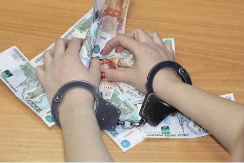 В Забайкалье работник госучреждения обвиняется в получении взятки — Следком