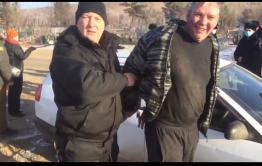 Оппозиция сломала забор на кладбище в Чите ради съемок фильма с Лехой Кочегаром — соцсети (видео)