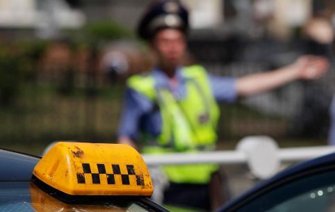 Читинец после драки с таксистом угнал его авто