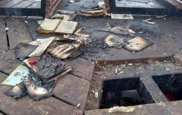 Подростки сжигали книги в беседке на площади Декабристов в Чите. Прокуратура начала проверку. (Видео)