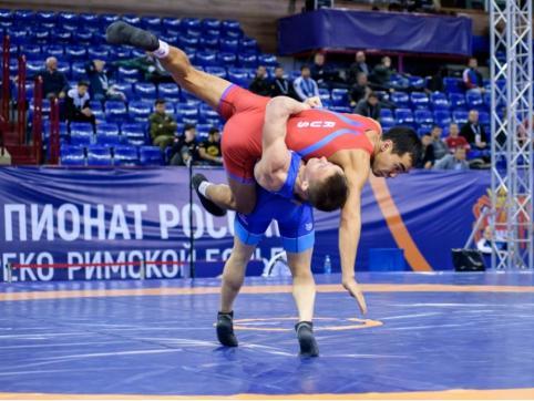 Уроженцы Забайкалья завоевали золото и серебро Чемпионата России по греко-римской борьбе