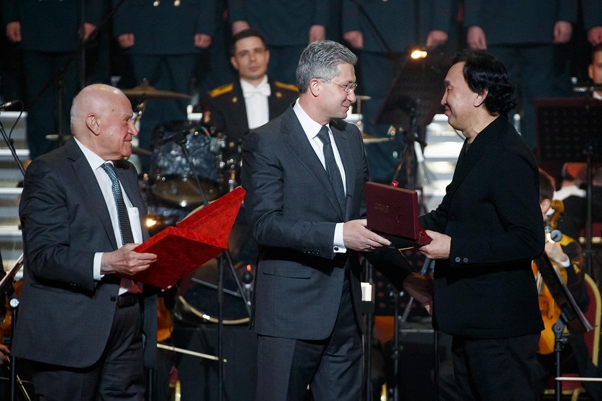 Даши Намдаков получил премию Министерства обороны РФ