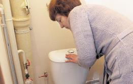 Жителям дома в Борзе отключили канализацию и воду за долги, несмотря на мораторий, введенный правительством РФ