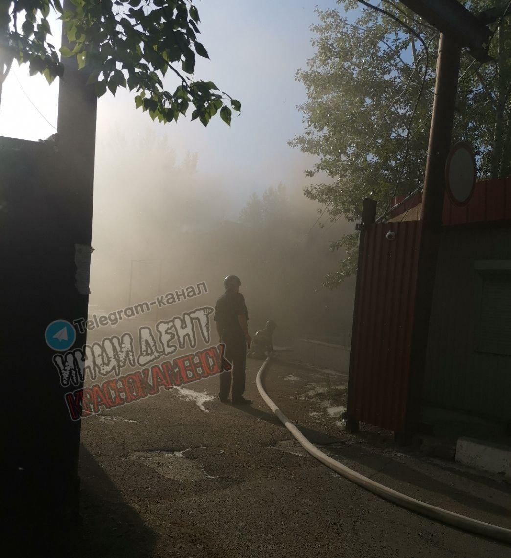 В Краснокаменcке горело не здание ИВС, а хозяйственная постройка - УМВД