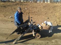 Саня из Шелопугино раньше обогревал весь район. Теперь собирает гнилушки, чтобы не замерзнуть. 31 октября