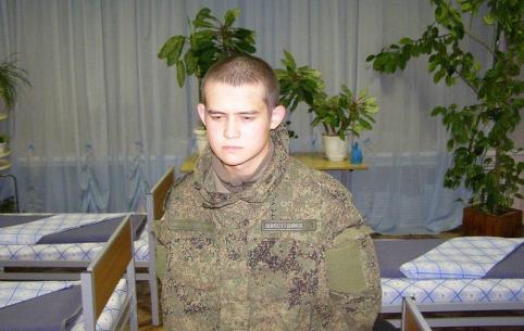 Расстрелявшему сослуживцев Шамсутдинову продлили арест до 25 апреля