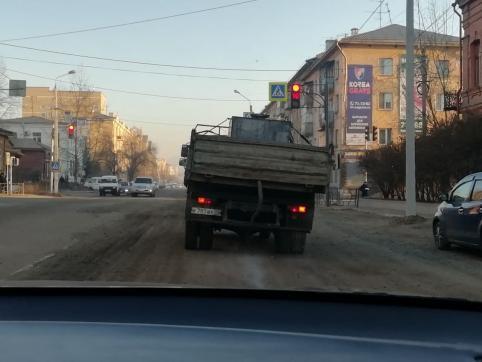 Мэрия Читы борется с пылью на дорогах города