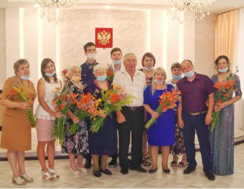Забайкальская семья, прожившая в браке 57 лет, получила медаль «За любовь и верность»