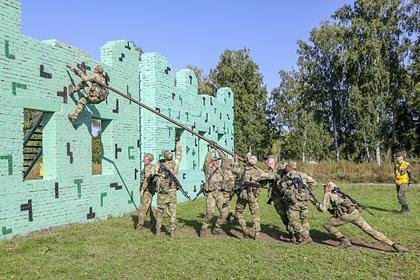 Военнослужащим России проиндексируют зарплату