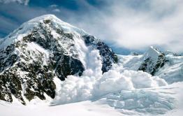 Синоптики заявили о потенциальной опасности схода лавины в Каларском районе